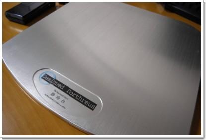 VAIO Type TZ + 静冷台の写真