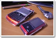 X02HTとWalkman NW-S718Fのクリアケースの写真