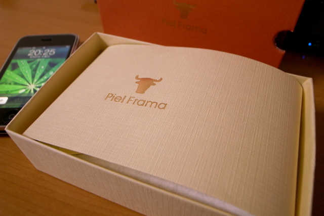Piel Frama Natural Cowskin Leather Cases for iPhone 3G Crocodileの写真